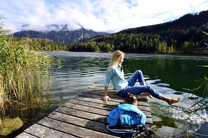 Relax on the shore of Lautersee Mittenwald