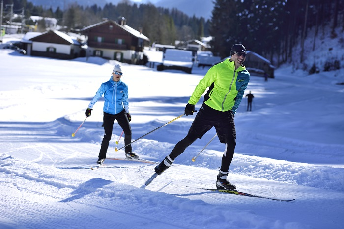 Skating and cross-country skiing on kilometre-long prepared cross-country trails