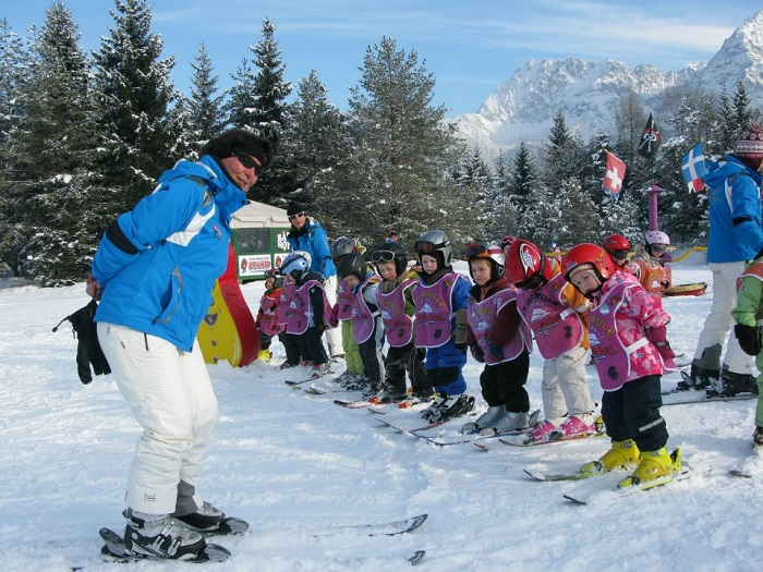 Alpine and cross-country skiing courses for young and old